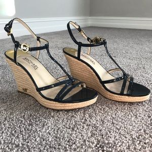 Michael Kors Wedge navy gold sz 8